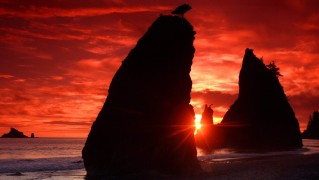 blood_red_sunset_with_big_rock_cliffs-normal