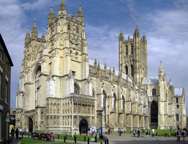 1280px-Canterbury_Cathedral_-_Portal_Nave_Cross-spire (1)