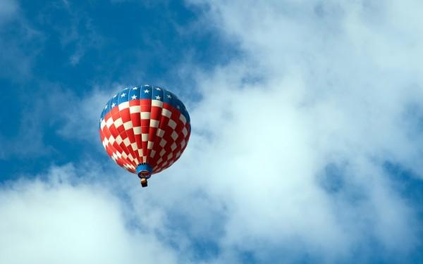 Air-Balloon-with-American-Flag