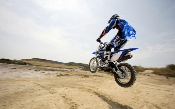Biker-Jump-in-the-Desert
