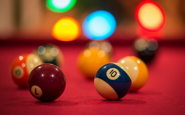 Billiard-Balls-on-Pool-Table
