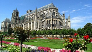 Bourges_-_002_-_Low_Res