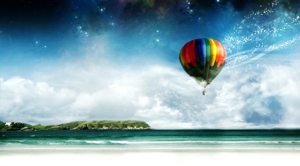 Colorful-Air-Baloon-Over-the-Beach
