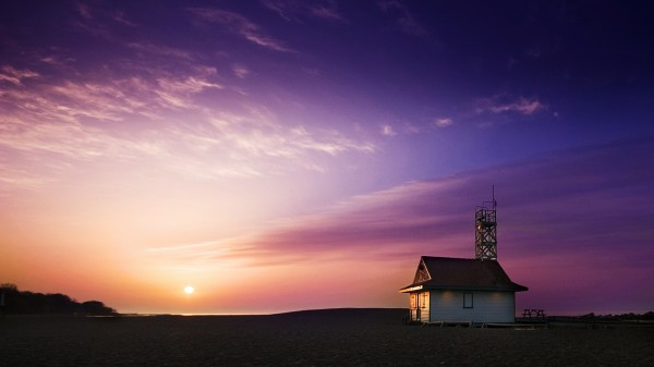 House-on-the-Beach-at-Colorful-Sunset