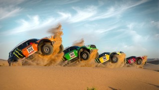 Jeeps-Race-Start-in-the-Desert