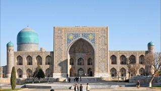 La_madrasa_et_la_mosquée_Tilla_Kari_du_Registan_(Samarcande,_Ouzbékistan)_(5630693152)