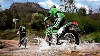 Mountain-Bike-Racing-in-Water