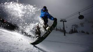 Snow-Boarding-Jump