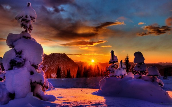 Sunset-in-the-Snowy-Winter