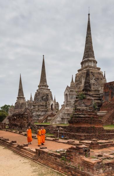 Templo_Phra_Si_Sanphet,_Ayutthaya,_Tailandia,_2013-08-23,_DD_17