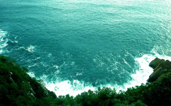 View-Down-the-Cliff-Ocean