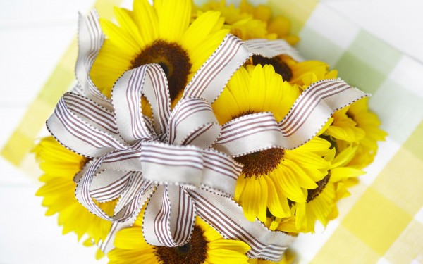 Wrapped-Christmas-Gift-with-Sunflowers